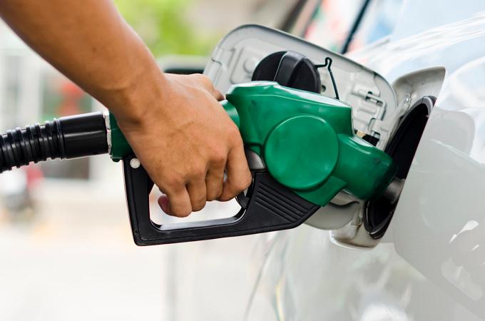 Gasolina no Paraguai é quase 40% mais barata que no Brasil