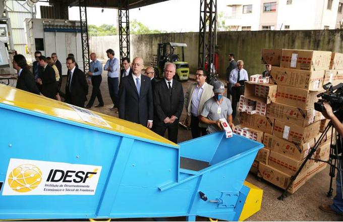 Receita Federal em Foz inicia destruição de 150 toneladas de produtos contrabandeados