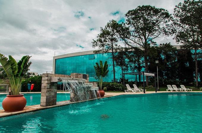 Com hotéis de Foz do Iguaçu com tarifa flutuante, opção é hospedar-se em Ciudad del Este