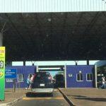 Servidores protestam e causam lentidão na aduana