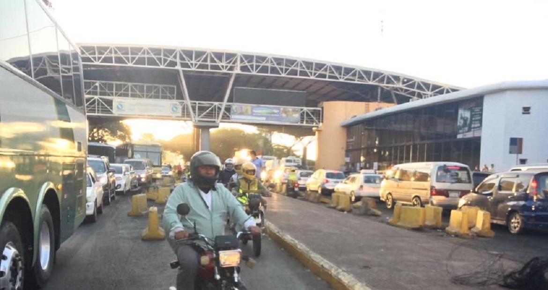aprovacao-da-reeleicao-no-paraguai-gerou-manifestos-na-ponte-da-amizade