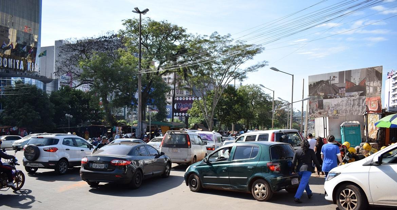 feriado-de-pascoa-levou-milhares-de-compradores-ao-paraguai