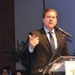Ministro promete lutar por aumento da cota de compras no Paraguai