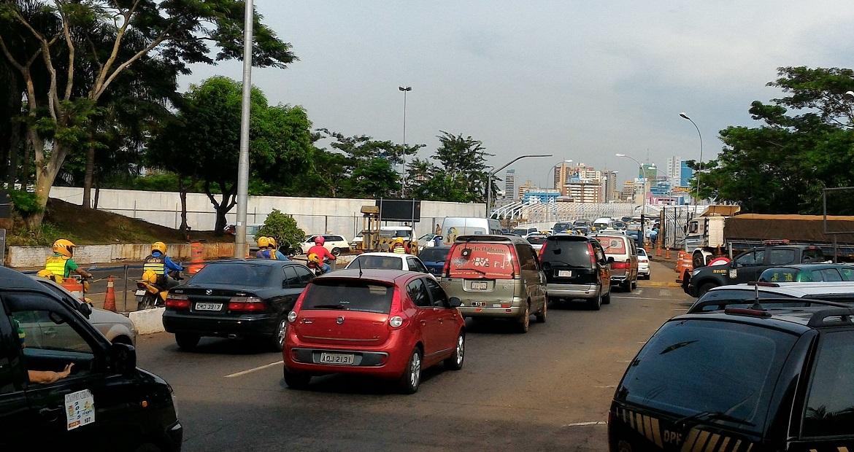 gasolina-mais-barata-atrai-brasileiros-ao-paraguai