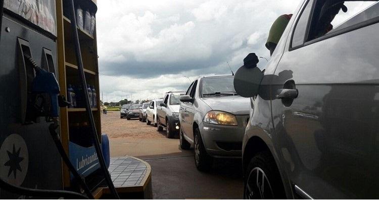 gasolina-a-r-265-leva-centenas-de-brasileiros-para-o-paraguai