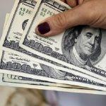 2018 inicia com dólar em queda no Paraguai