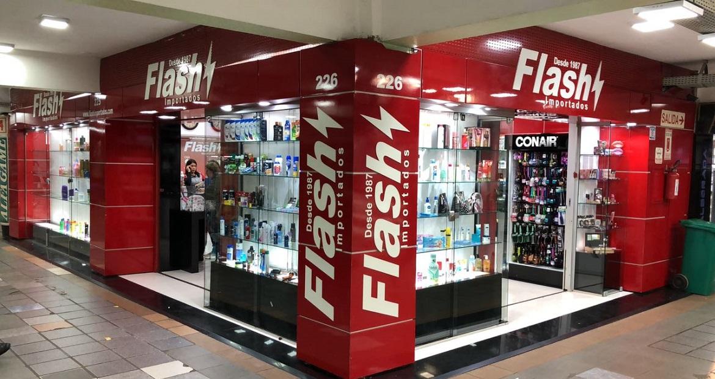flash-importados-inaugura-loja-de-cosmeticos-e-maquiagem