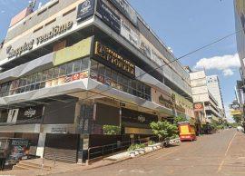 Paraguai: Lojas devem reabrir em maio